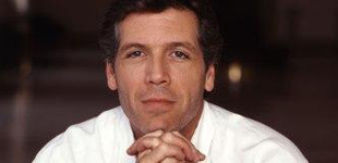 Thomas Hampson can soothe your kid to sleep