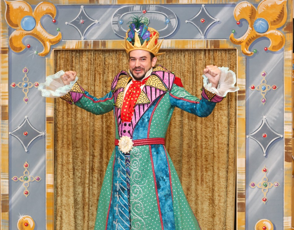 Featuring: Jason Contini as Emperor. © Photo by Jill Lindbergh.